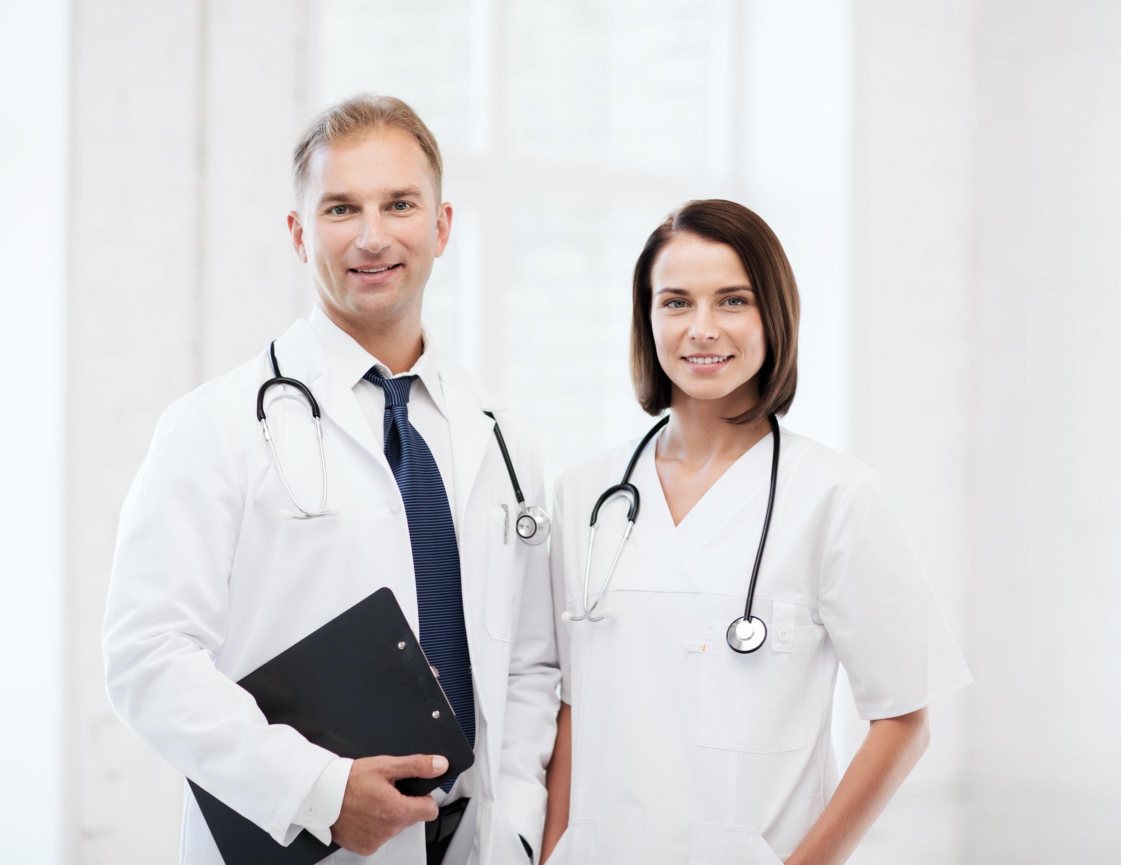 Studienarzt der klinischen Forschung von Novartis