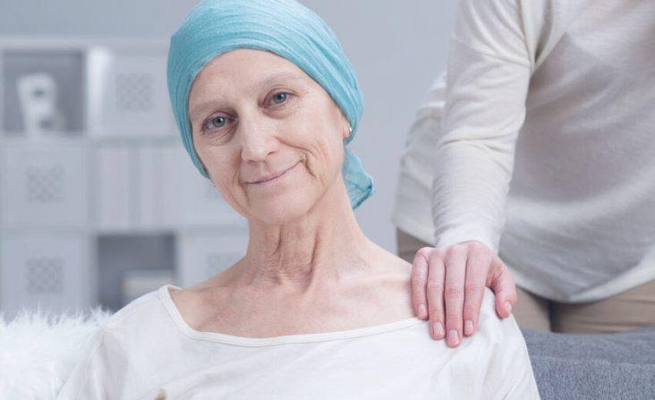 Biomarker-Untersuchung_Krebspatientin_Bild